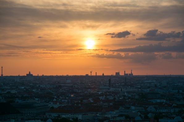 Gasometer Schöneberg, Berlin, Blick auf den Sonnenuntergang