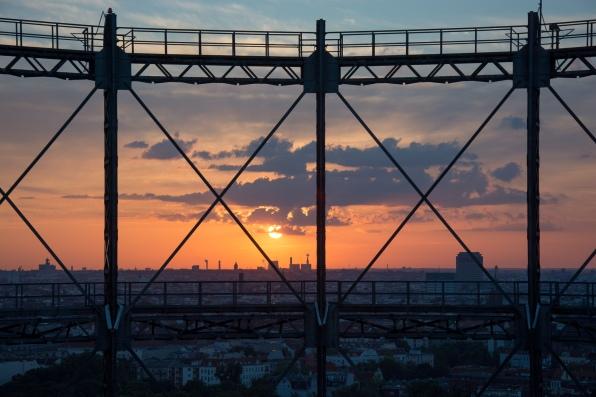 Gasometer Schöneberg, Berlin mit Sonnenuntergang