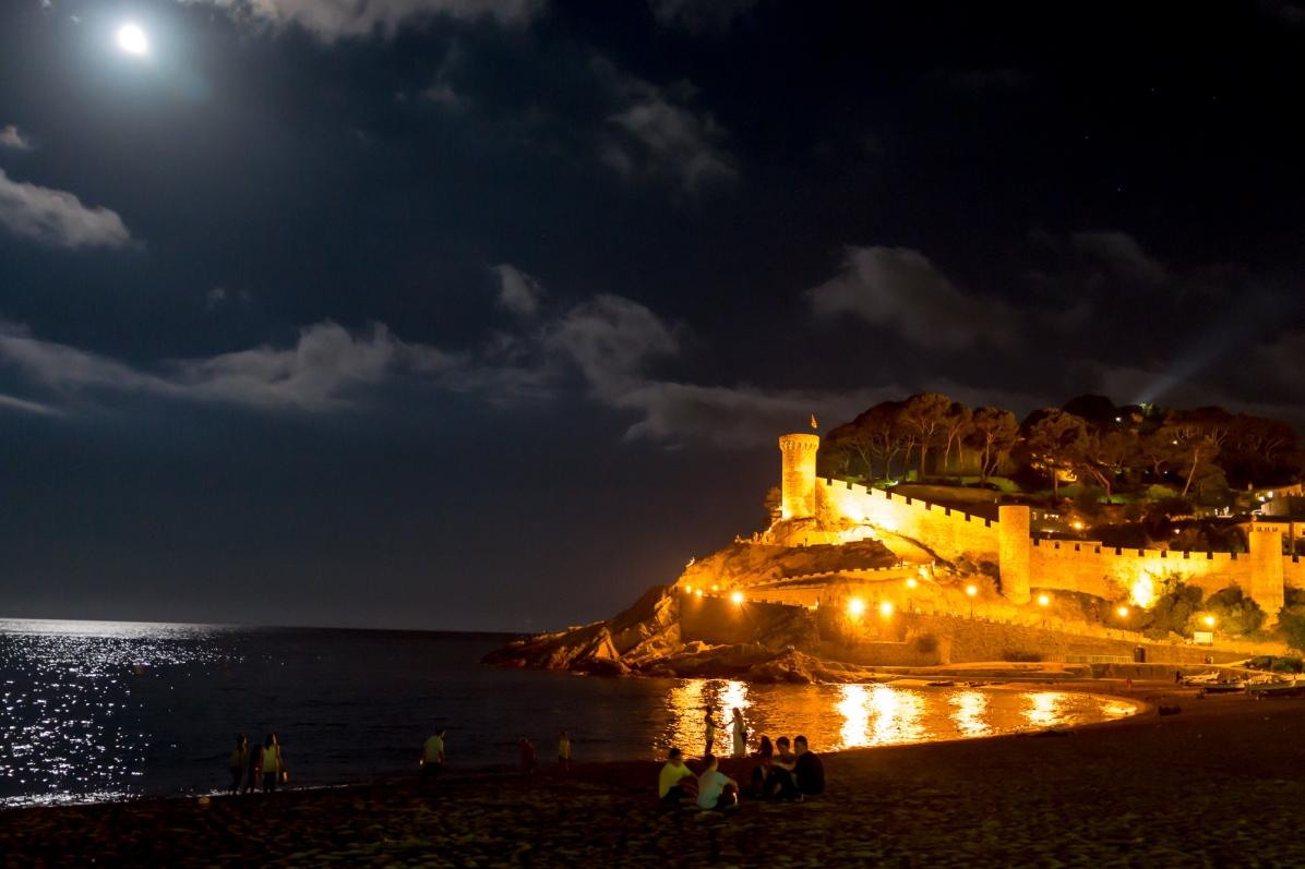 Tossa del Mar - Festung/Strand bei Nacht